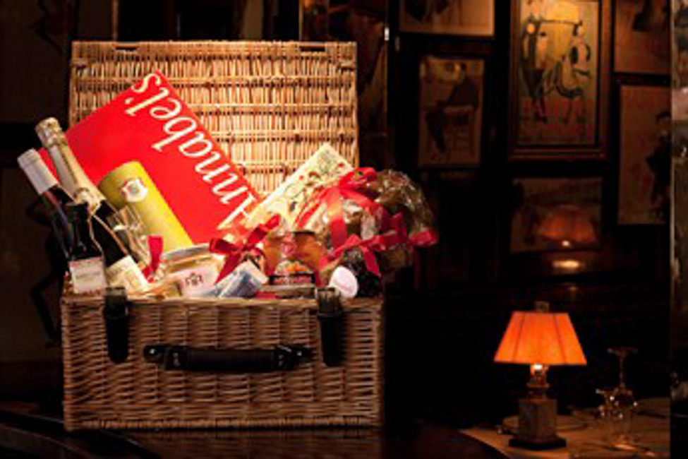 A Rather Chic Christmas Hampers: Annabel's on a Plate