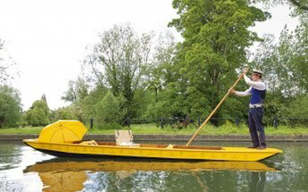 Punting and Picnic by the River in Cambridge: A Quintessential English Summer Day