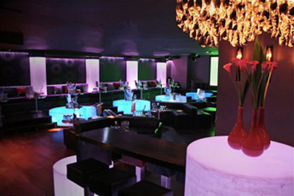 Maddox Restaurant: a Bit of Glamour for Non Members